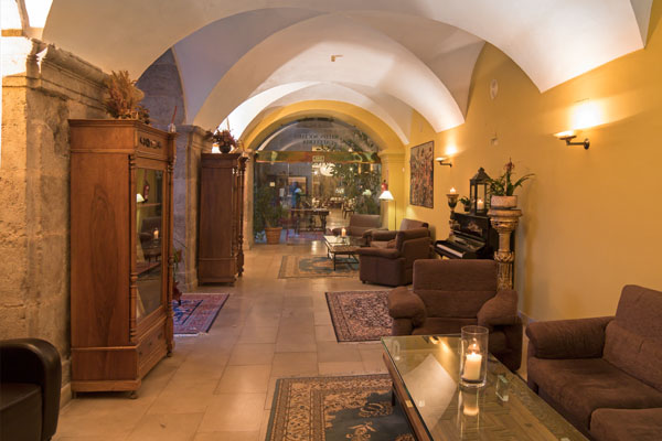 hotel con encanto en la rioja san millan 6